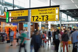 airport-amsterdam-arrival-2069-828x550